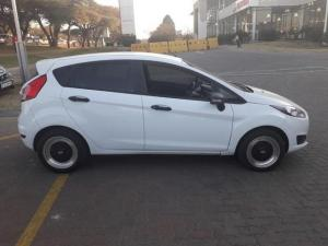 Ford Fiesta 1.4 Ambiente 5 Dr - Image 7