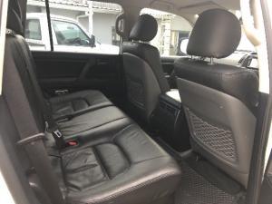 Toyota Land Cruiser 200 4.5D-4D V8 GX - Image 4