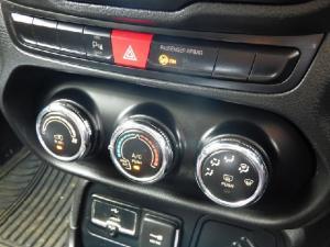 Jeep Renegade 1.6L Longitude - Image 6