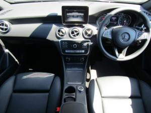 Mercedes-Benz A 200 Style automatic - Image 13