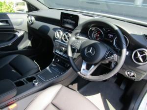Mercedes-Benz A 220d Urban automatic - Image 12