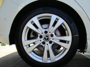 Mercedes-Benz A 220d Urban automatic - Image 9