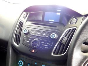 Ford Focus 1.5 Ecoboost Trend automatic - Image 21