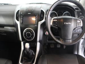 Isuzu KB 300D-Teq double cab LX - Image 7