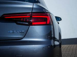Audi A4 2.0 TDI Sport Stronic - Image 4
