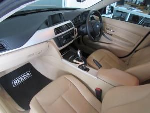 BMW 320iautomatic - Image 6
