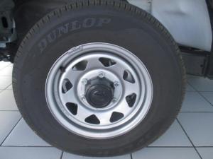 Nissan Hardbody NP300 2 0i LWBS/C