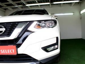 Nissan X Trail 2.5 Acenta 4X4 CVT - Image 11