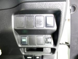 Nissan X Trail 2.5 Acenta 4X4 CVT - Image 14
