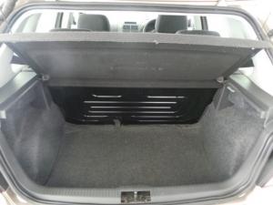 Volkswagen Polo Vivo 5-door 1.6 Trendline - Image 5