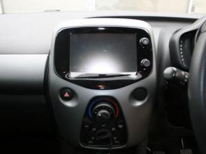 Toyota Aygo 1.0 X-CITE - Image 30