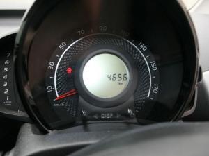 Toyota Aygo 1.0 X-CITE - Image 35