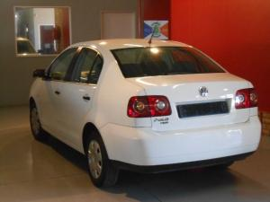 Volkswagen Polo Vivo 1.6 Trendline - Image 2