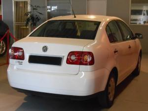 Volkswagen Polo Vivo 1.6 Trendline - Image 3