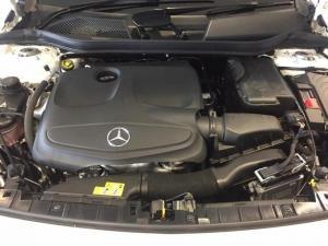Mercedes-Benz GLA GLA200 - Image 6