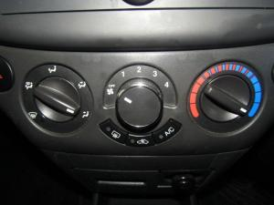Chevrolet Aveo 1.6 LS sedan - Image 11