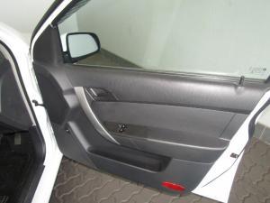 Chevrolet Aveo 1.6 LS sedan - Image 14