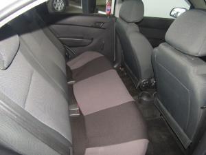 Chevrolet Aveo 1.6 LS sedan - Image 18