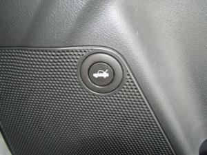 Chevrolet Aveo 1.6 LS sedan - Image 20