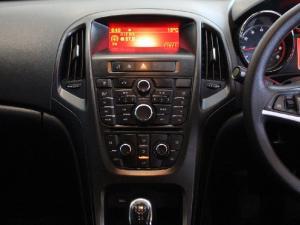 Opel Astra sedan 1.6 Essentia - Image 11