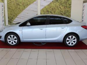 Opel Astra sedan 1.6 Essentia - Image 4