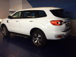 Ford Everest 3.2 Tdci LTD 4X4 automatic - Image 4