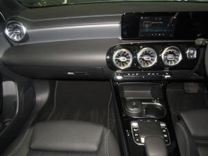 Mercedes-Benz A 200 automatic - Image 13