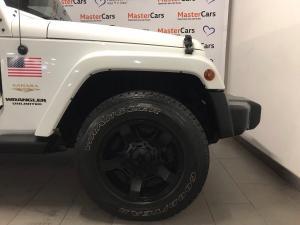 Jeep Wrangler Unltd Sahara 3.6L V6 automatic - Image 10