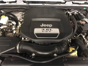 Jeep Wrangler Unltd Sahara 3.6L V6 automatic - Image 5