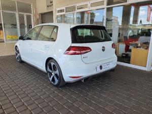 Volkswagen Golf VII GTi 2.0 TSI DSG - Image 4