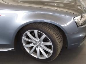 Audi A4 2.0 TDI SE Multitronic - Image 6