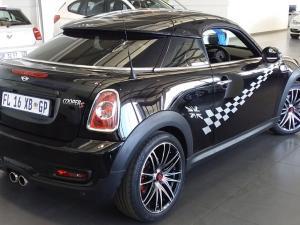 MINI Cooper S Coupe - Image 2