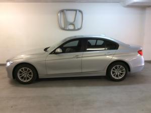 BMW 3 Series 320i auto - Image 2