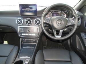 Mercedes-Benz A 220d Urban automatic - Image 4
