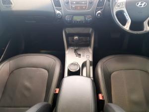 Hyundai iX35 2.0 Crdi Elite AWD automatic - Image 12