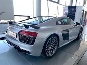 Audi R8 5.2 FSi Quattro S Tronic - Image 7