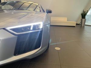 Audi R8 5.2 FSi Quattro S Tronic - Image 6