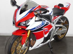Honda CBR 1000 SP - Image 8