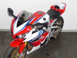 Honda CBR 1000 SP - Image 9