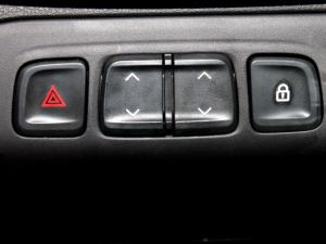 Renault Kwid 1.0 Dynamique 5-Door automatic - Image 22