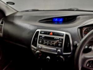 Hyundai i20 1.4 Fluid - Image 11