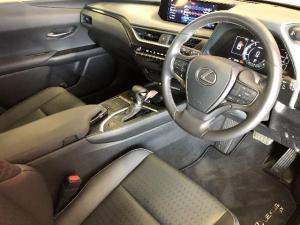 Lexus UX 200 EX - Image 2