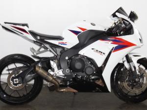 Honda CBR 1000 RR Fireblade - Image 2