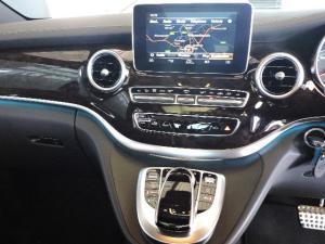 Mercedes-Benz V250 Bluetec Avantgarde automatic - Image 20