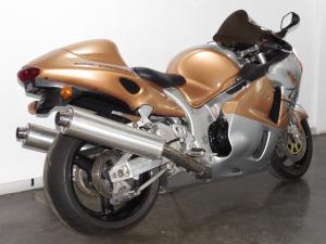 Suzuki GSX 1300R - Image 3