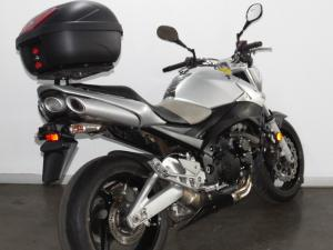 Suzuki GSR 600 - Image 9