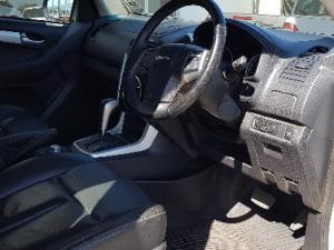Isuzu KB 300D-Teq double cab 4x4 LX auto - Image 7