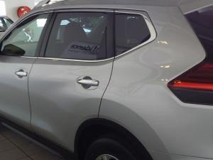 Nissan X Trail 2.5 SE 4X4 CVT - Image 9