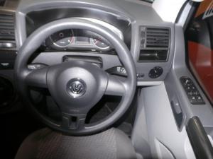 Volkswagen T5 Kombi 2.0 TDi Base - Image 13