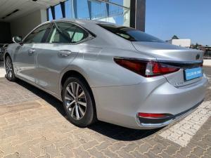 Lexus ES 250 EX - Image 19